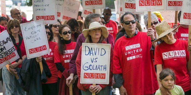 4,000 California Mental Health Workers Protesting Kaiser Permanente Weeks Before Christmas