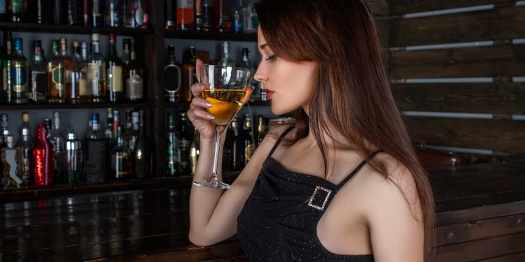 Are There Benefits of Moderate Alcohol Consumption?